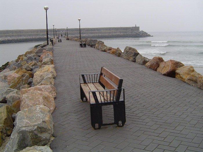 Espigón en la playa de Orio